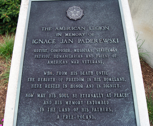 A plaque at the USS Maine Memorial honors Polish musician and statesman Igancy Paderewski